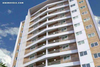 Solarium Condominium em Candelária 77 m2