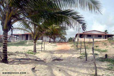 Casa na praia de Zumbi de frente para o mar