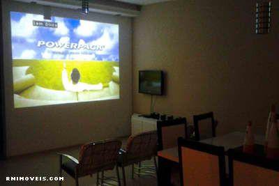 Sala com home theater