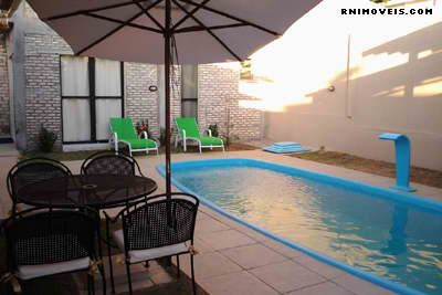 Casa em Ponta Negra com piscina