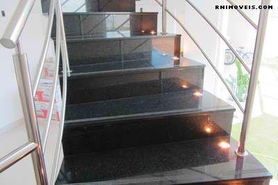 Escada iluminada