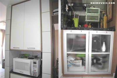 Cozinha equipada e com armários