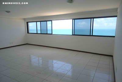 Sala espaçosa para dois ambientes