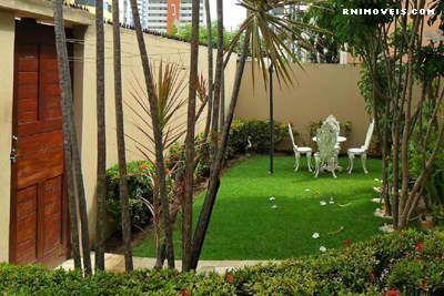 Casa Duplex em Capim Macio murada e com jardim