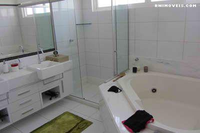 Banheiro da suite com hidromassagem