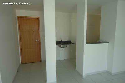 Entrada, sala e cozinha