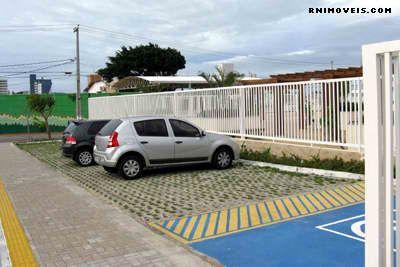 Parque de estacionamento para visitantes