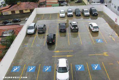 Estacionamento descoberto
