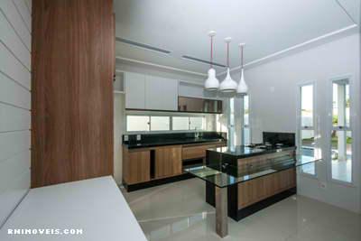 Cozinha espaçosa e completa