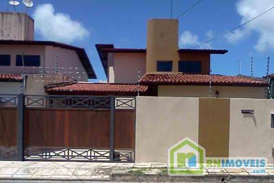 Casa estilo chalé na Cidade Verde 194 m2